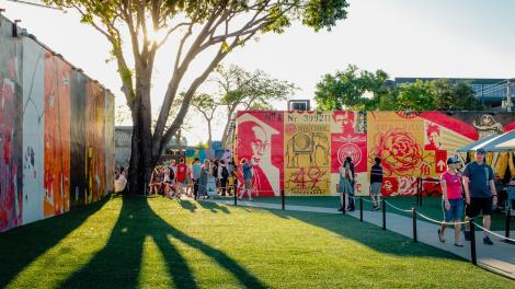 플로리다주 마이애미의 윈우드 지구에서 공공 예술 작품 탐방하기