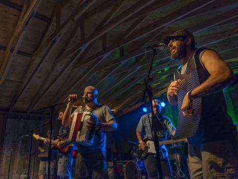 보이스 오브 더 웻랜즈 페스티벌에서 즐기는 남부 음악