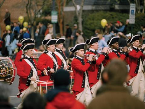 조지 워싱턴 탄생 기념 주말 퍼레이드의 고적대
