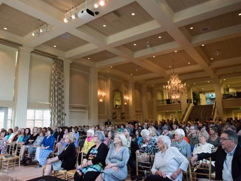 아칸소 주지사 맨션에서 열리는 문학 행사