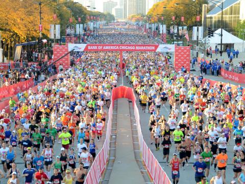 시카고 마라톤에 참가한 45,000명의 주자들
