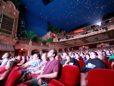 텍사스주 엘패소의 플라자 클래식 필름 페스티벌의 일환으로 플라자 극장에서 상영되는 영화